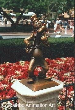 Click here to see a larger version of Goofy Partners Statue