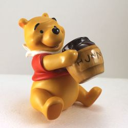WDCC Pooh 1996 Membership Figure image