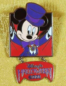 Tokyo Disneyland Halloween 2001 Mickey Mouse Dangle Pin